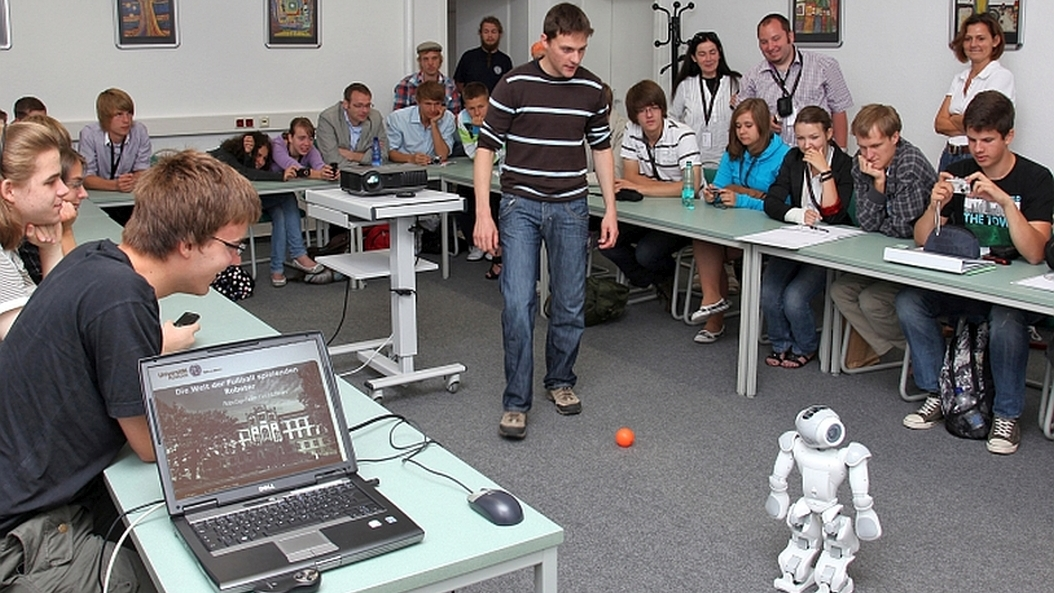 Technical & Engineering Summer School - TESS (formerly Sommerschule Plus) for DSD pupils